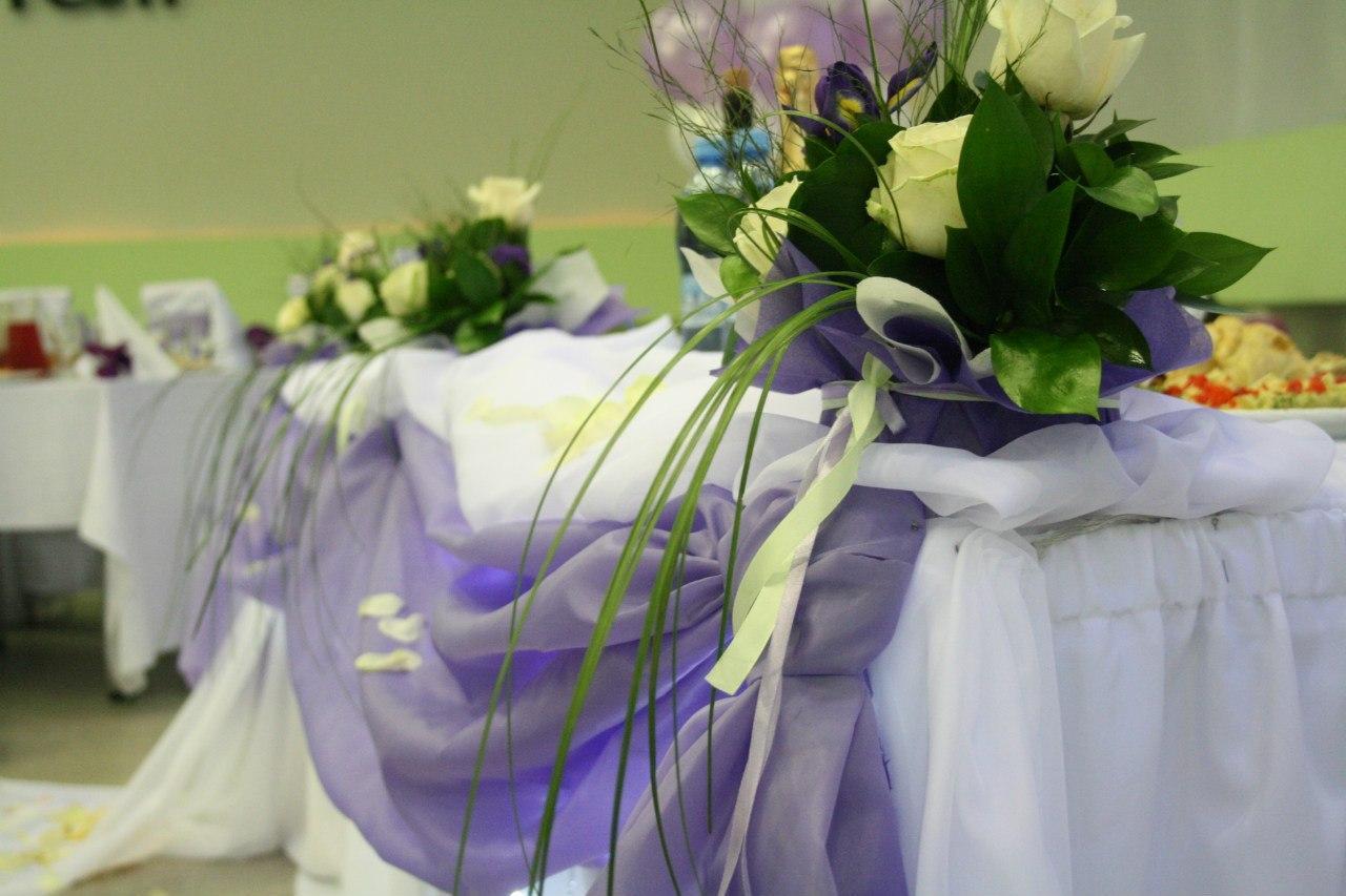 Фото украшение зала цветами